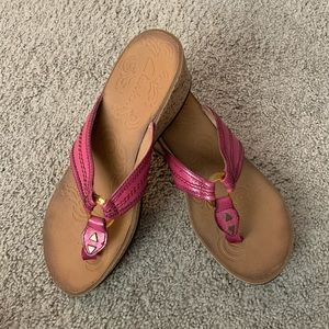 Like New! Pink, wedge Clark sandals- Size 9